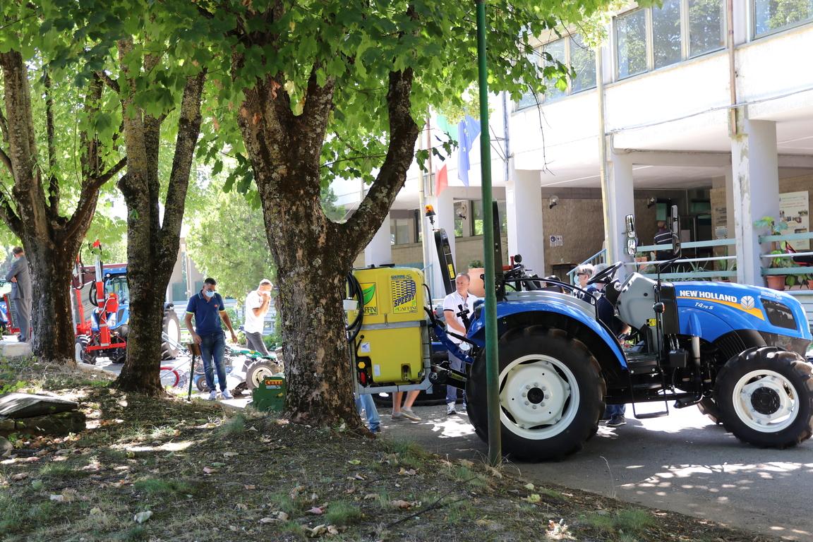 Inaugurazione nuove macchine e attrezzi agricoli (foto)